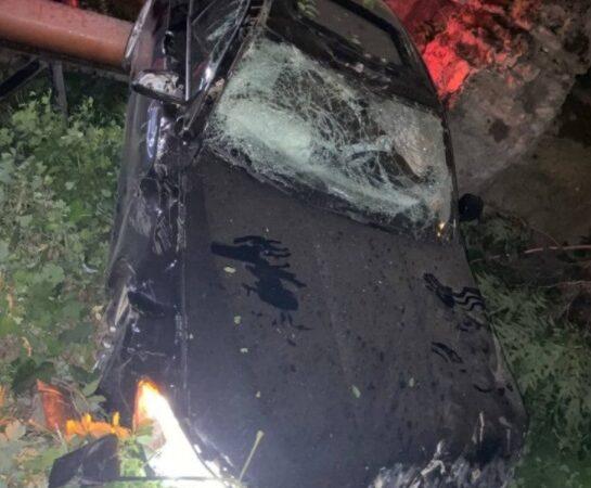 В центре Одессы авто улетело со склона: водитель BMW не увидел конца улицы (фото)