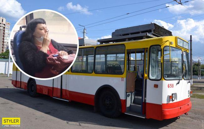 Одесситка прославилась, закурив в троллейбусе: что ей за это грозит? (видео)