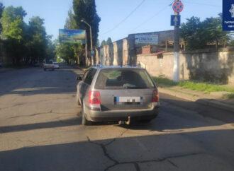 В Одессе водитель Volkswagen сбил на переходе старушку: образовалась огромная пробка