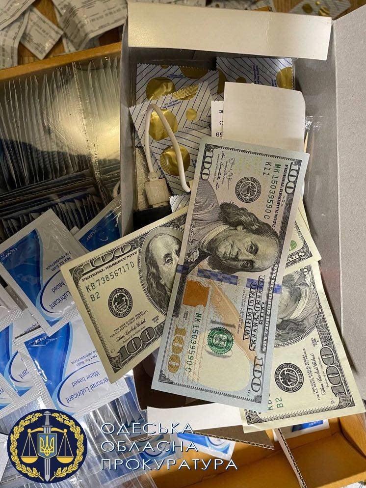 деньги сутенеров