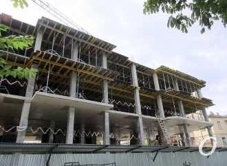 На обновленной части одесского бульвара Жванецкого продолжается стройка: как это выглядит? (фото)