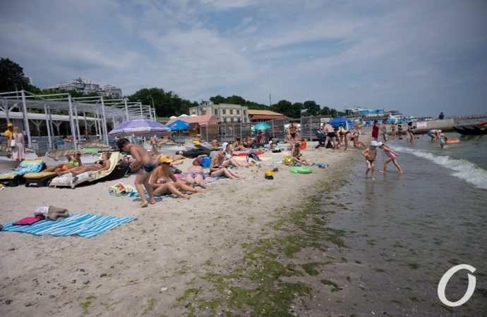 Как отдыхается в июле на одесских пляжах – фоторепортаж