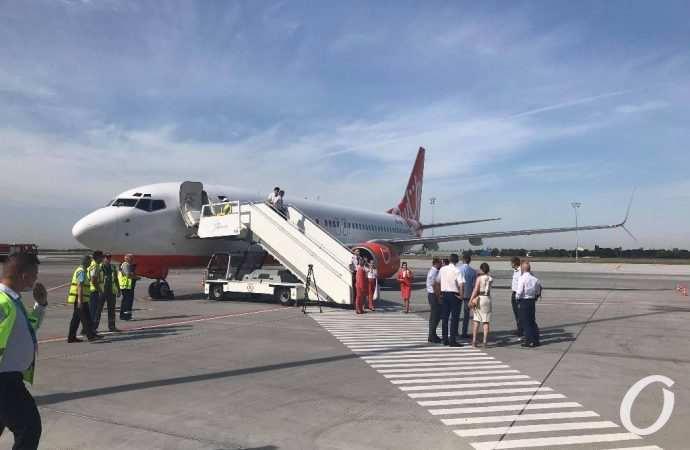 Радостные авиаторы, напуганные курортники и раздосадованные водители: новости Одессы за 16 июля