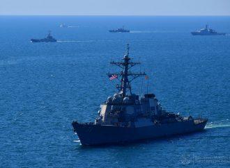 Как корабли-участники «Си Бриз» маневрировали в море – дух захватывает (фото, видео)