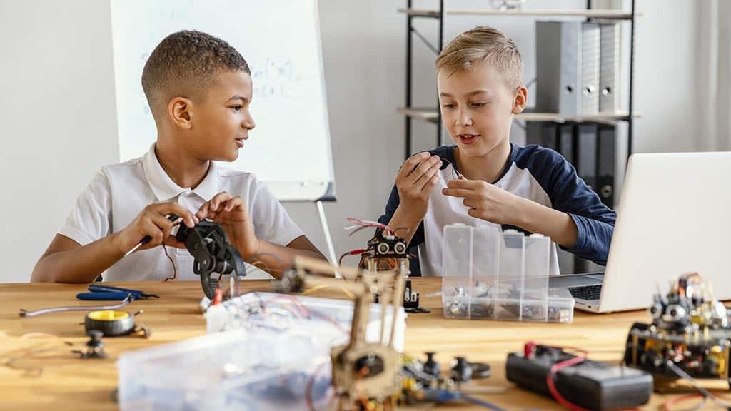 дети роботехника роботы
