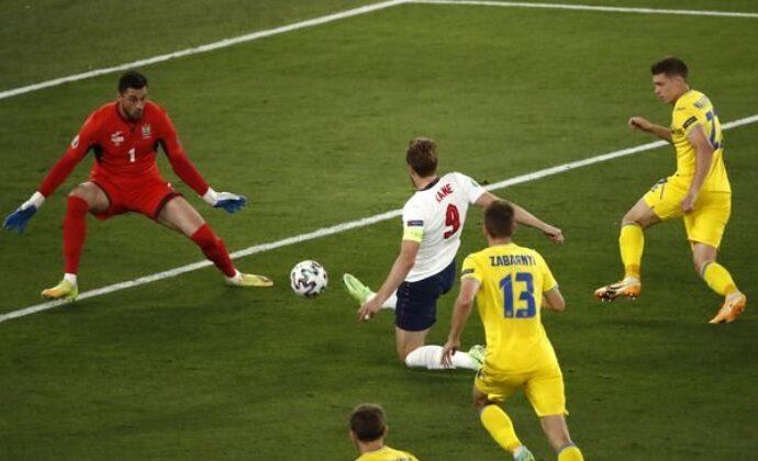 Футболисты Украины проиграли сборной Англии и возвращаются домой