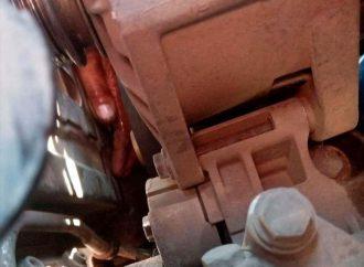 Под Одессой мужчина едва не лишился руки, ремонтируя авто (фото)