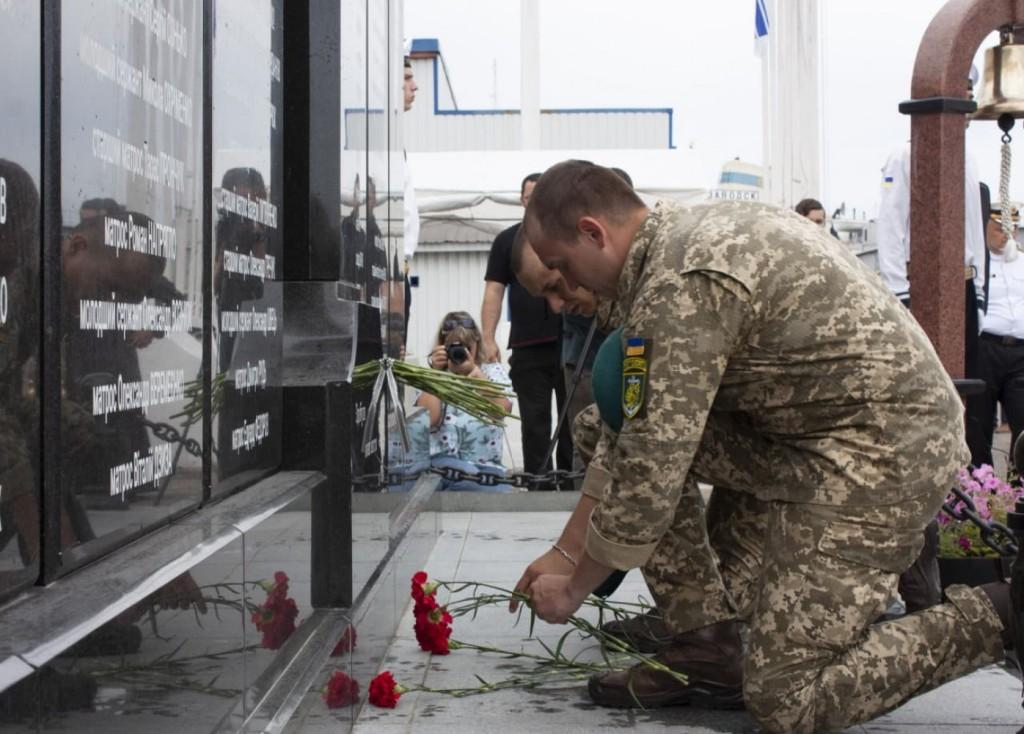 В Одесском порту открыли стелу3