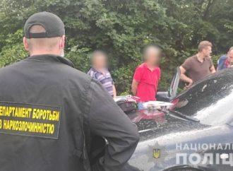 В Одесской области полиция прикрыла курортный наркосупермаркет (фото, видео)