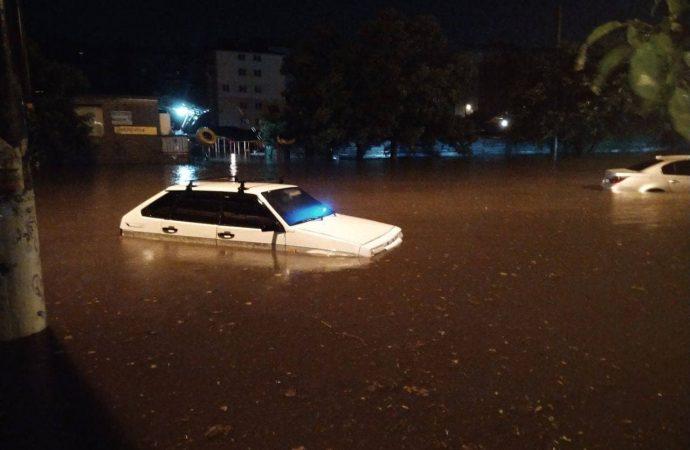 Пробки и ДТП в Одессе 22 июля: из-за наводнения поселок Котовского заблокирован ОБНОВЛЕНО