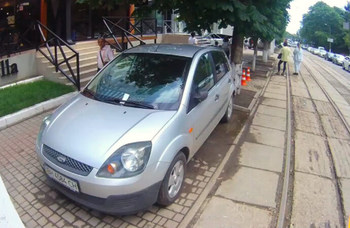 В Аркадии одесситов оштрафовали за парковку на 300 тысяч гривен