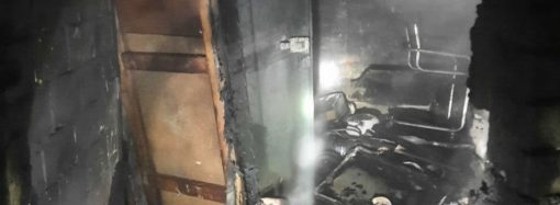 В Одессе горел пункт приема металла: кто-то сдал туда газовые баллоны