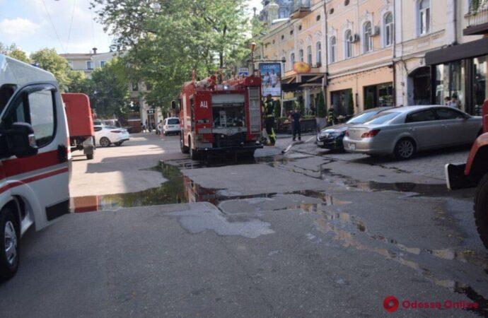 В Одессе горел ресторан на Гаванной (фото)