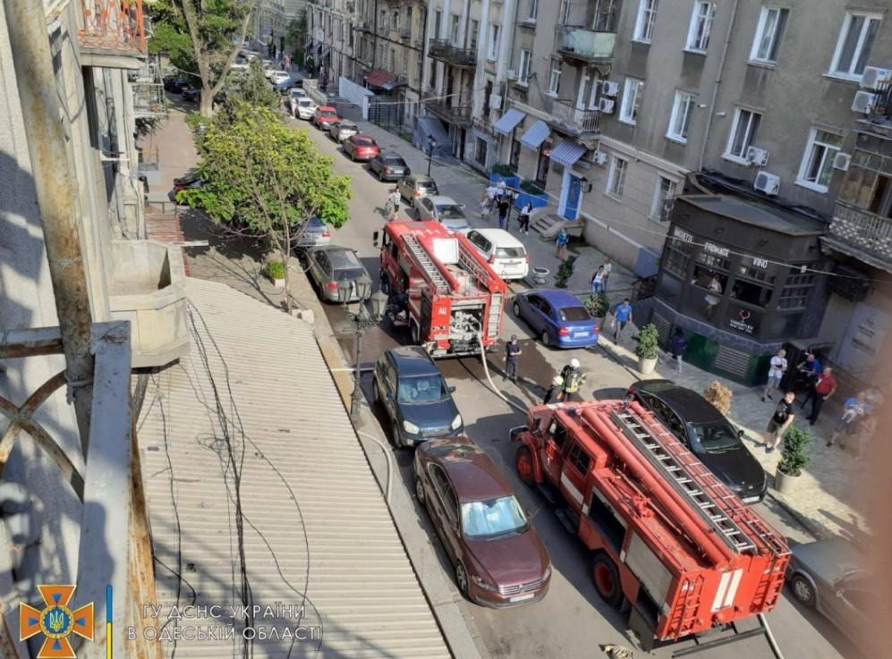 пожар в центре Одессы2