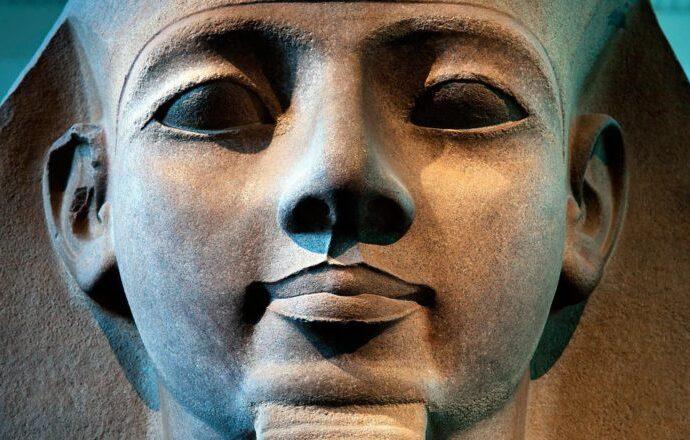 Этот день в истории: 140 лет назад открыли уникальную гробницу в Египте