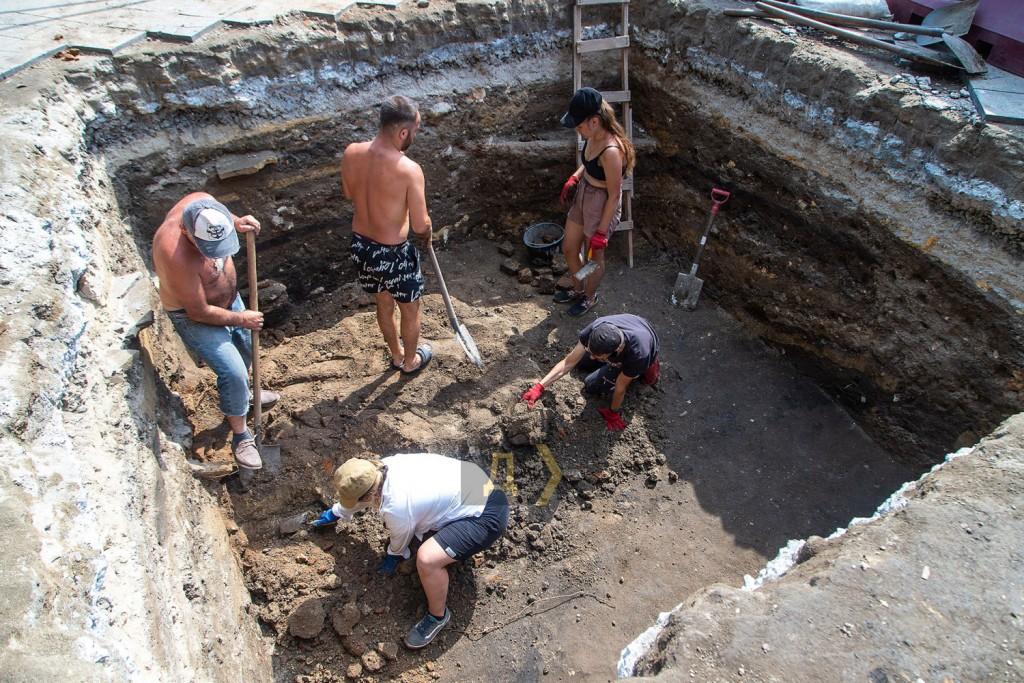 раскопки на Приморском бульваре, июль 2021 г-3