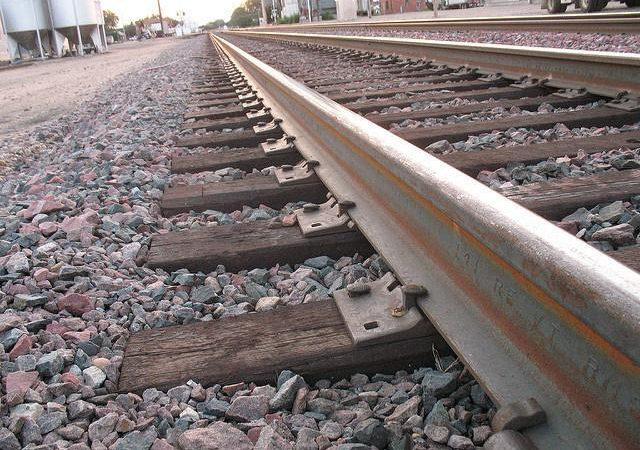 Новая смерть на железной дороге: на Одесчине товарный поезд задавил 18-летнего парня