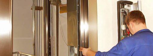 Массовый ремонт лифтов: где в Одессе заменят подъемники?