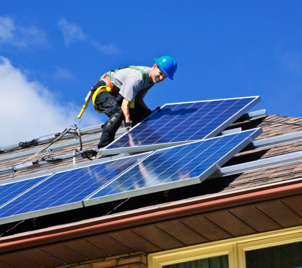Установка солнечных панелей