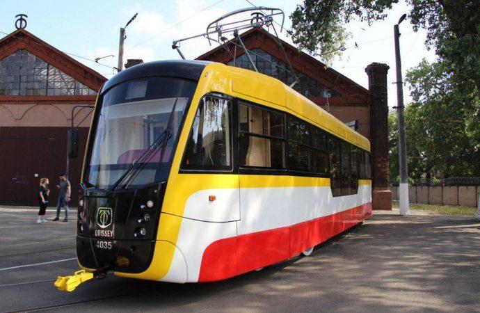 В Одессе собрали еще один новый трамвай «Одиссей»: сколько всего вагонов прибавится за год?