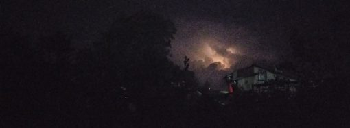 Одесситов напугали огромные молнии в небе: будет ли очередной ливень?