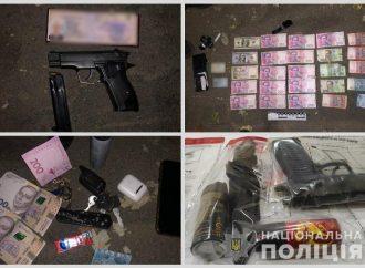 Терроризировали бизнесмена: в Одессе задержали банду вымогателей (видео)