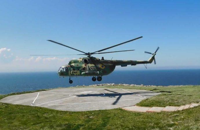 В Одесской области военный вертолет напугал курортников