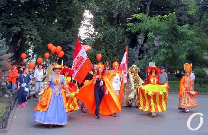 По-нашему, по-рыжему: одесситы окунулись в волны фестивального позитива (фоторепортаж)