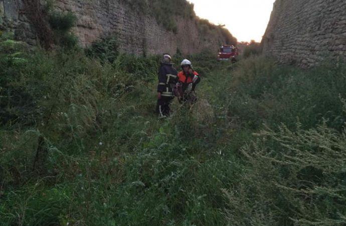 В Белгород-Днестровском мужчина упал с крепостной стены в ров