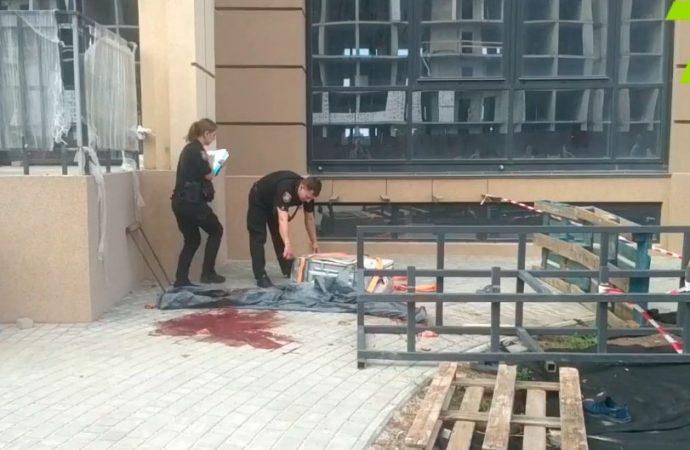 Трагедия в Фонтанке: под Одессой сорвались со стены установщики кондиционеров