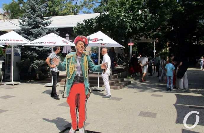 «Цветущий» фестиваль, орденоносный режиссер и наплыв туристов: главные новости Одессы за 20 августа