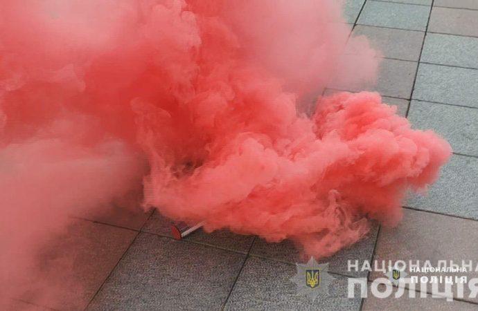 Противники ЛГБТ устроили массовую драку с полицией: что им грозит