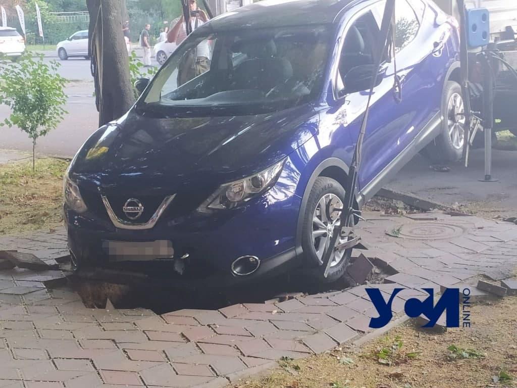 неудачная парковка на Фонтане5