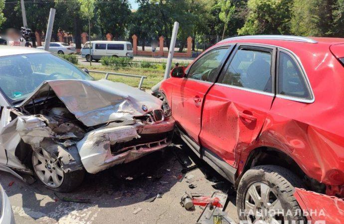 Авария на одесской Фонтанской дороге: в полиции говорят о 4-х пострадавших