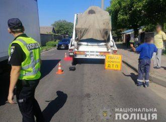 В Одессе мусоровоз переехал женщину-пешехода