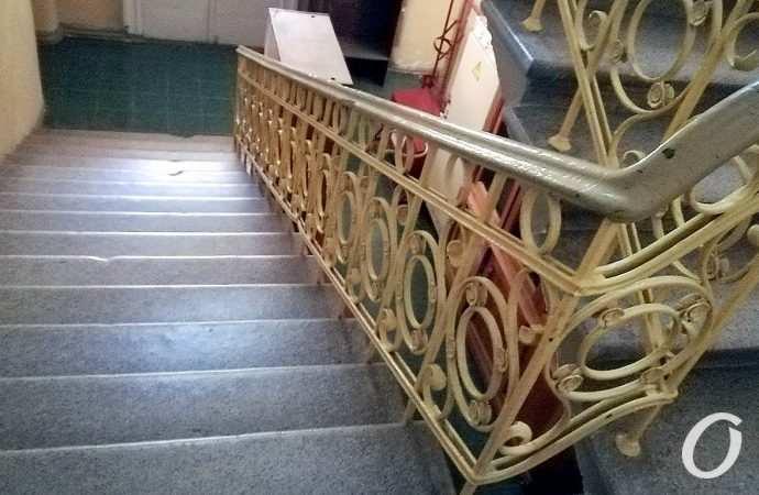 Бесперебойные светофоры, говорящая лестница и свирепое насекомое: какими были новости Одессы 12 августа