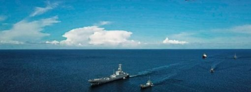 В Одессе проходит генеральная репетиция парада: корабли в море, в небе ракеты, истребители и вертолеты