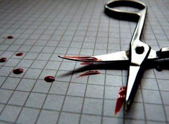 Отомстил за дочь: одессит зарезал соседа ножницами (видео)