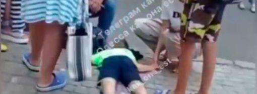 В центре Одессы серьезно травмировался подросток – упал с самоката
