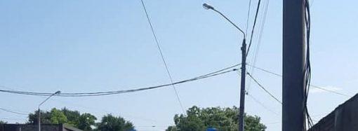 В Одессе скорая помощь «села на мель»: ее спасли пассажиры трамвая