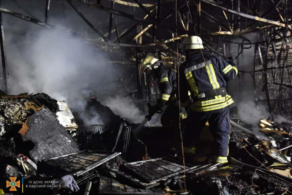 пожар в обувном магазине «Конфискат»4