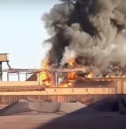 Под Одессой горит порт (ОБНОВЛЯЕТСЯ)
