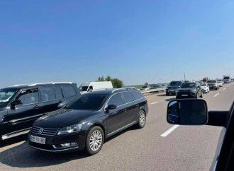 На трассе Одесса-Киев огромная пробка: в каком месте и почему?