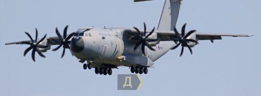 В одесском аэропорту приземлились сразу два НАТОвских самолета (фото)