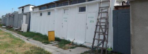 «Золотой» туалет за 300 тысяч оказался никому не нужен: что с ним будет дальше?