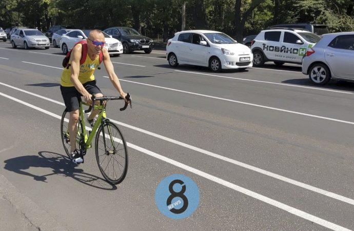 В Одессе на Среднефонтанской появилась велополоса – вместе с новой разметкой