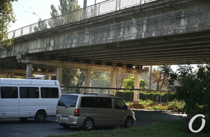 Одесский Ивановский мост: чем «болеет» «уставшая» магистраль? (фоторепортаж)