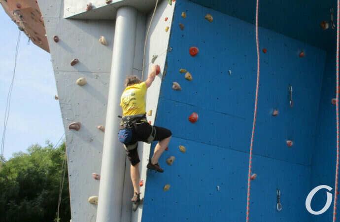 Главные субботние новости Одессы за 11 сентября: спортсмены, скалолазы и цветная фестивальная дорожка