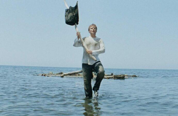 В Одессе курьер пробежался по воде яко по суху (видео)