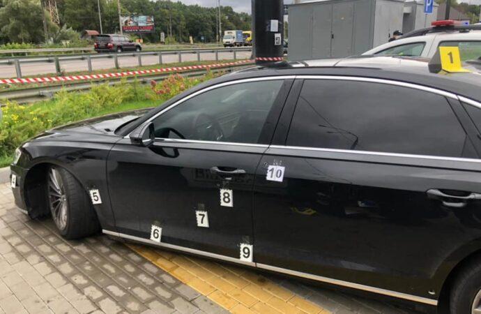Под Киевом расстреляли машину помощника Зеленского